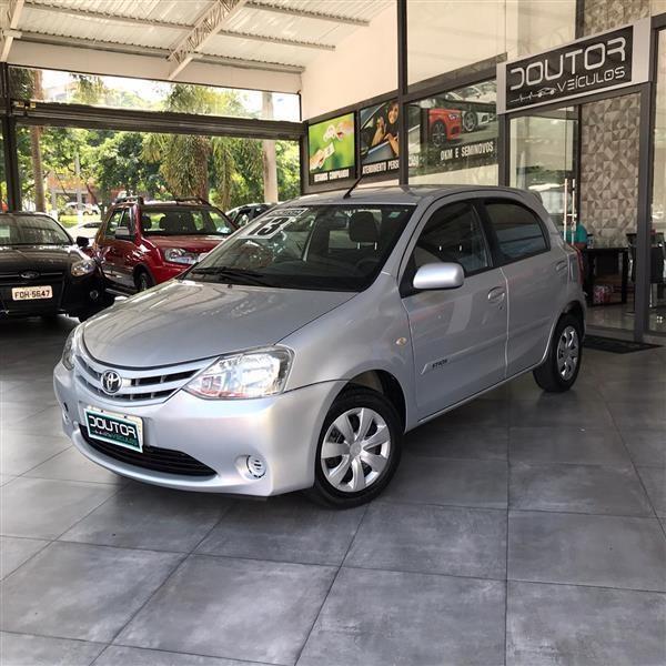 //www.autoline.com.br/carro/toyota/etios-15-sedan-xls-16v-flex-4p-manual/2013/sao-paulo-sp/14015887