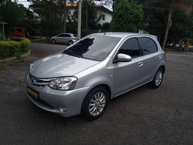//www.autoline.com.br/carro/toyota/etios-15-hatch-xls-16v-flex-4p-manual/2014/sao-paulo-sp/14069750