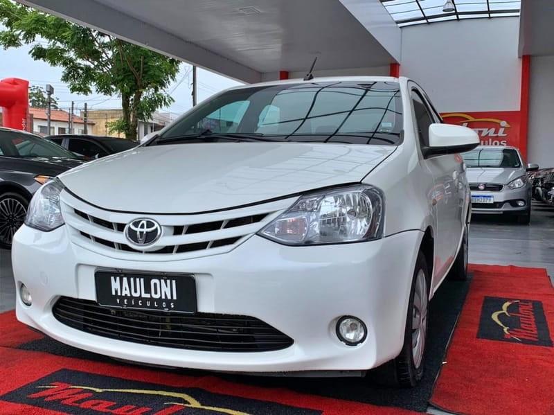 //www.autoline.com.br/carro/toyota/etios-15-sedan-x-16v-flex-4p-manual/2017/curitiba-pr/14075942