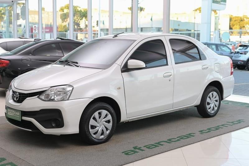 //www.autoline.com.br/carro/toyota/etios-15-sedan-x-16v-flex-4p-manual/2018/curitiba-pr/14093768