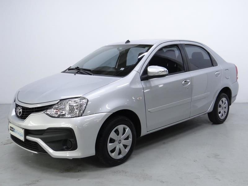 //www.autoline.com.br/carro/toyota/etios-15-sedan-xs-16v-flex-4p-manual/2018/curitiba-pr/14099112