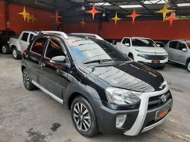 //www.autoline.com.br/carro/toyota/etios-15-cross-16v-flex-4p-automatico/2017/nova-friburgo-rj/14344469