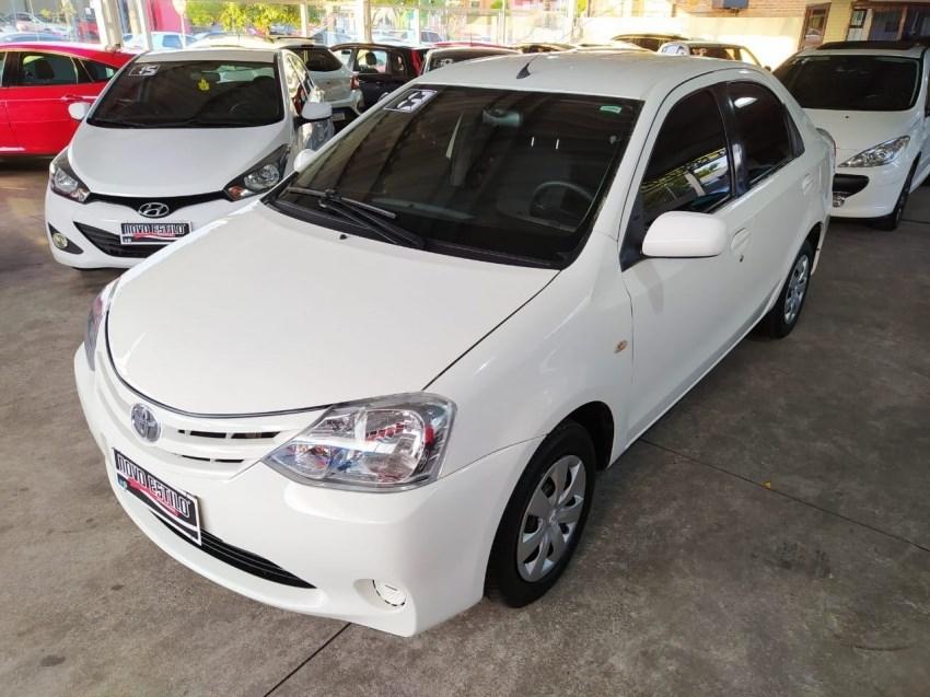 //www.autoline.com.br/carro/toyota/etios-15-sedan-xs-16v-flex-4p-manual/2013/caxias-do-sul-rs/14346038