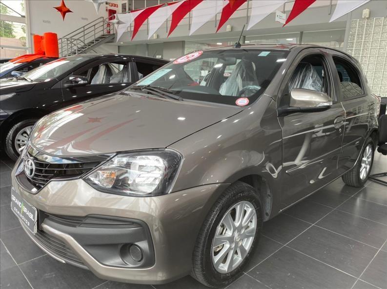 //www.autoline.com.br/carro/toyota/etios-15-hatch-x-plus-16v-flex-4p-automatico/2019/sao-paulo-sp/14403035