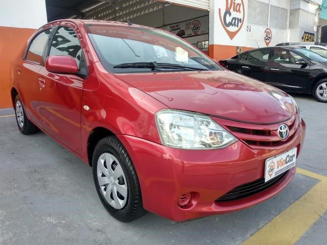 //www.autoline.com.br/carro/toyota/etios-15-sedan-x-16v-flex-4p-manual/2013/natal-rn/14455232