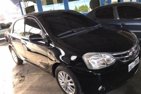 //www.autoline.com.br/carro/toyota/etios-15-sedan-xs-16v-flex-4p-manual/2013/manaus-am/14465910