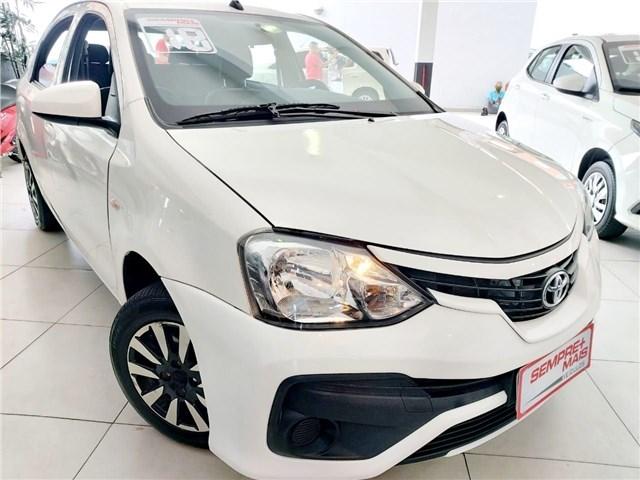 //www.autoline.com.br/carro/toyota/etios-15-sedan-xs-16v-flex-4p-manual/2018/sao-paulo-sp/14501136