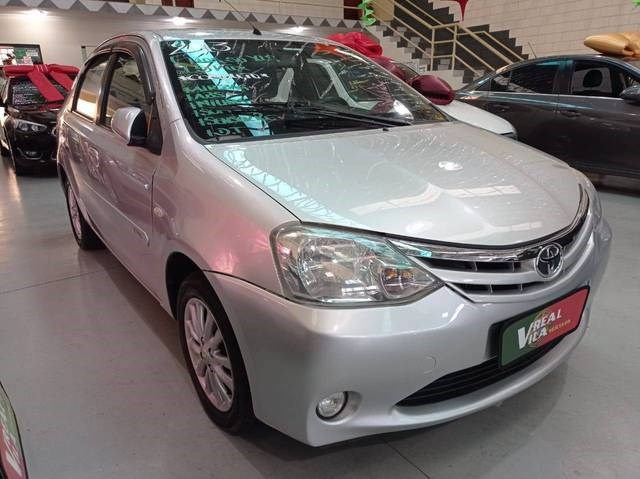 //www.autoline.com.br/carro/toyota/etios-15-sedan-xls-16v-flex-4p-manual/2013/campinas-sp/14542477