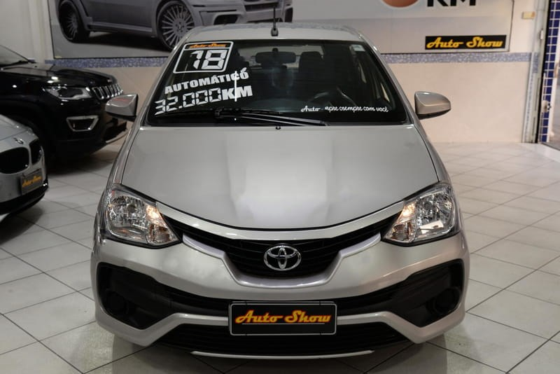 //www.autoline.com.br/carro/toyota/etios-15-hatch-xs-16v-flex-4p-automatico/2018/sao-paulo-sp/14564583