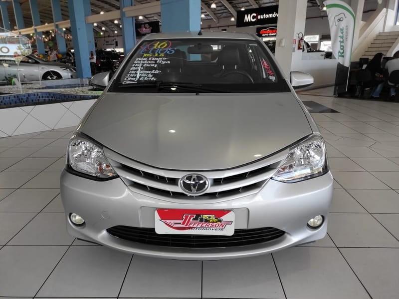 //www.autoline.com.br/carro/toyota/etios-15-hatch-xs-16v-flex-4p-manual/2016/curitiba-pr/14580721