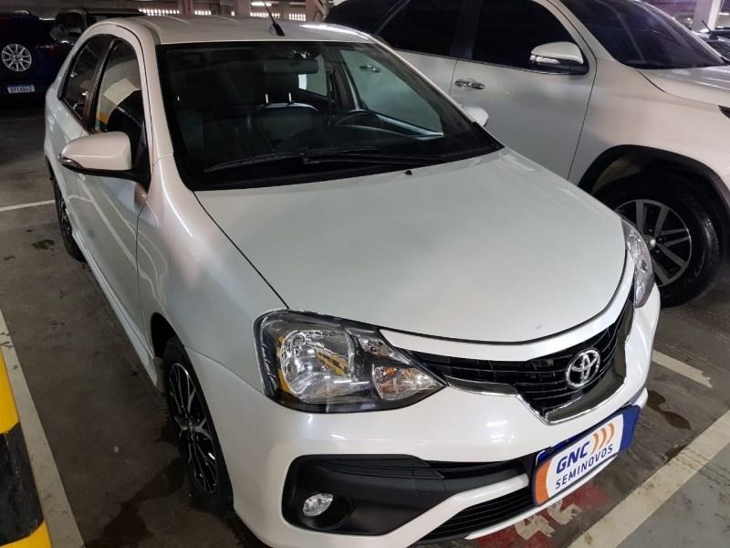 //www.autoline.com.br/carro/toyota/etios-15-sedan-platinum-16v-flex-4p-automatico/2018/salvador-ba/14587294