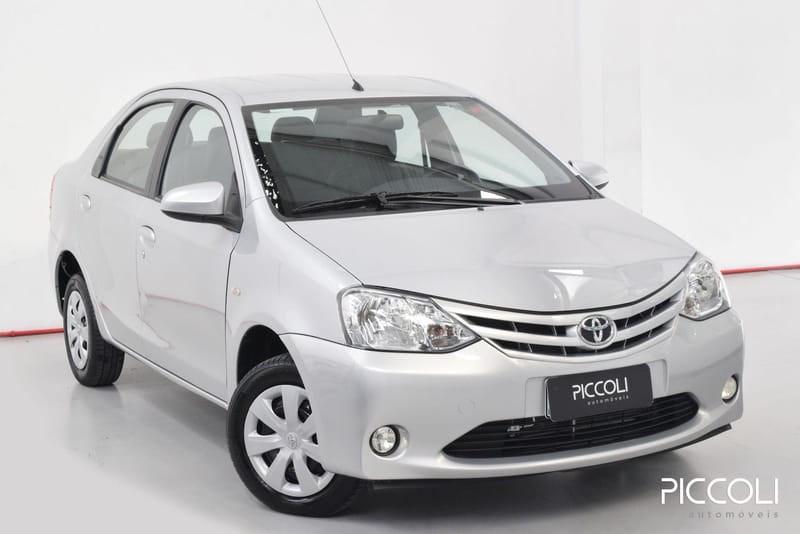 //www.autoline.com.br/carro/toyota/etios-15-sedan-xs-16v-flex-4p-manual/2016/porto-alegre-rs/14617899