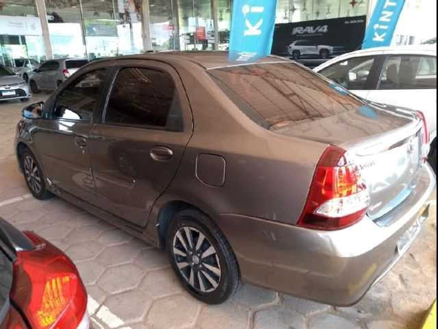 //www.autoline.com.br/carro/toyota/etios-15-sedan-xls-16v-flex-4p-automatico/2019/sao-paulo-sp/14649137