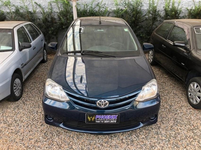 //www.autoline.com.br/carro/toyota/etios-15-hatch-xs-16v-flex-4p-automatico/2017/campinas-sp/14653330