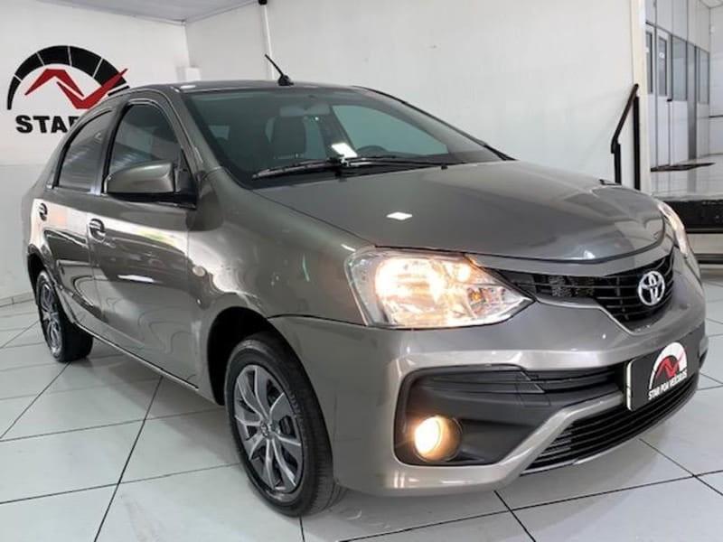 //www.autoline.com.br/carro/toyota/etios-15-sedan-xs-16v-flex-4p-manual/2018/porto-alegre-rs/14674365