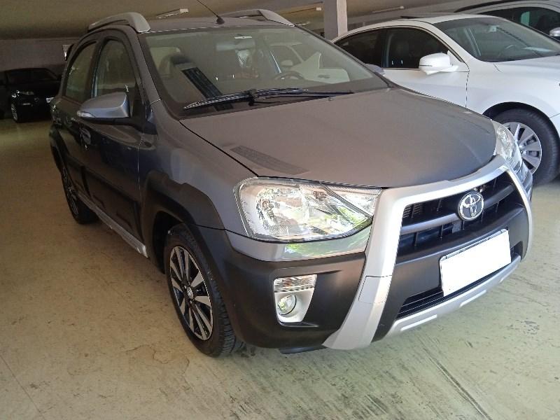//www.autoline.com.br/carro/toyota/etios-15-cross-16v-flex-4p-manual/2014/campinas-sp/14675398