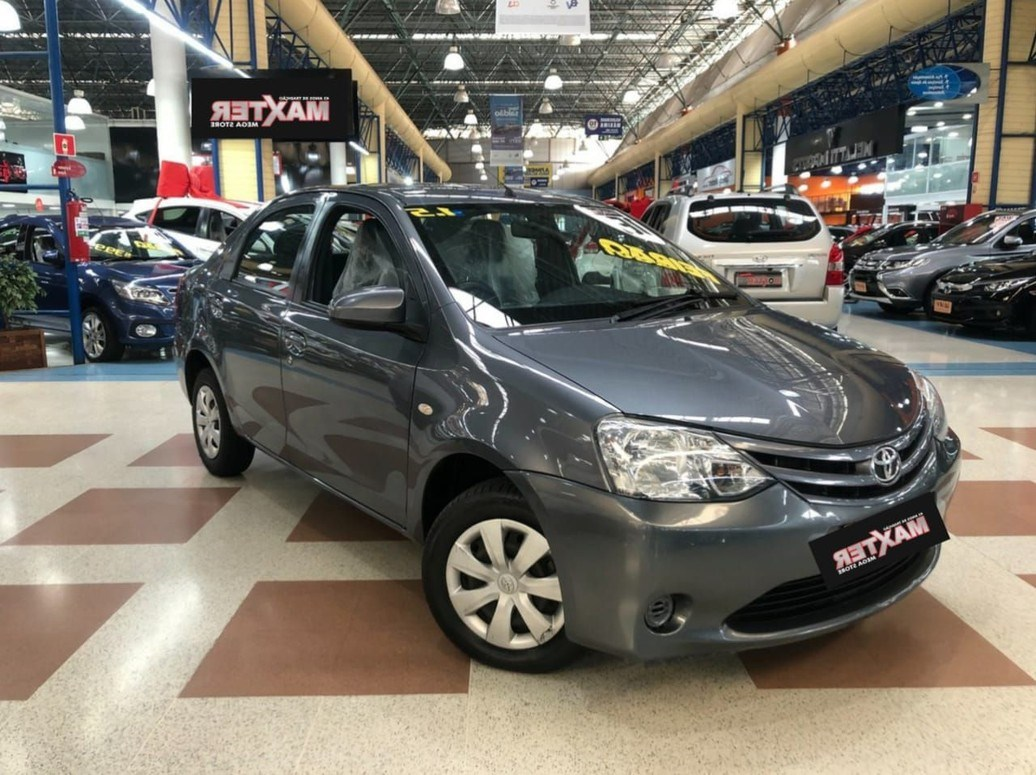 //www.autoline.com.br/carro/toyota/etios-15-sedan-xs-16v-flex-4p-manual/2016/sao-paulo-sp/14676753