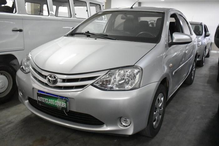 //www.autoline.com.br/carro/toyota/etios-15-sedan-xs-16v-flex-4p-manual/2016/sorocaba-sp/14681361