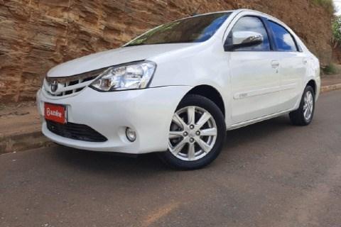 //www.autoline.com.br/carro/toyota/etios-15-sedan-xls-16v-flex-4p-automatico/2017/governador-valadares-mg/14794325
