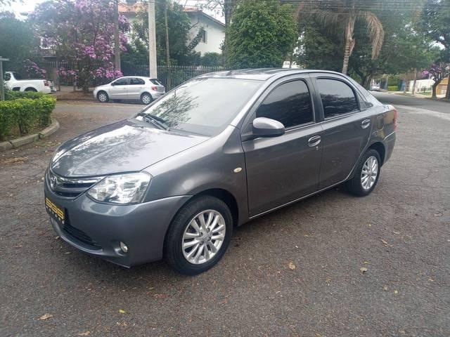 //www.autoline.com.br/carro/toyota/etios-15-sedan-xls-16v-flex-4p-manual/2014/sao-paulo-sp/14830553
