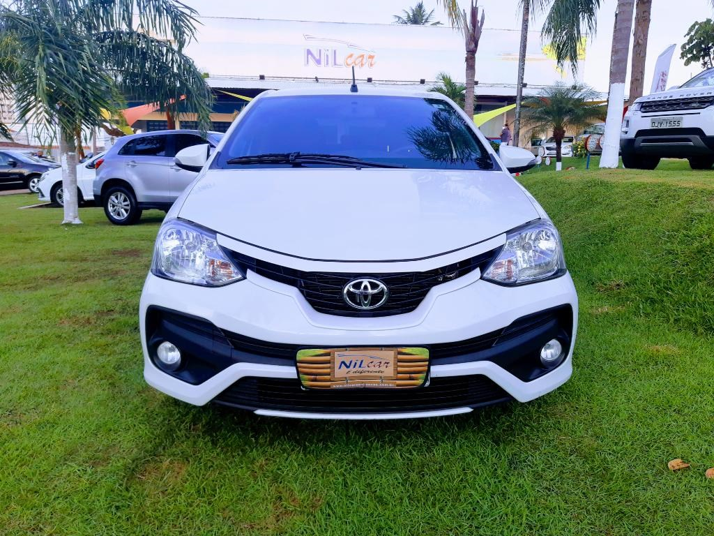 //www.autoline.com.br/carro/toyota/etios-15-sedan-xls-16v-flex-4p-automatico/2018/natal-rn/14908662