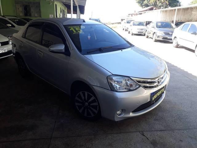 //www.autoline.com.br/carro/toyota/etios-15-hatch-platinum-16v-flex-4p-manual/2015/mogi-guacu-sp/14911782
