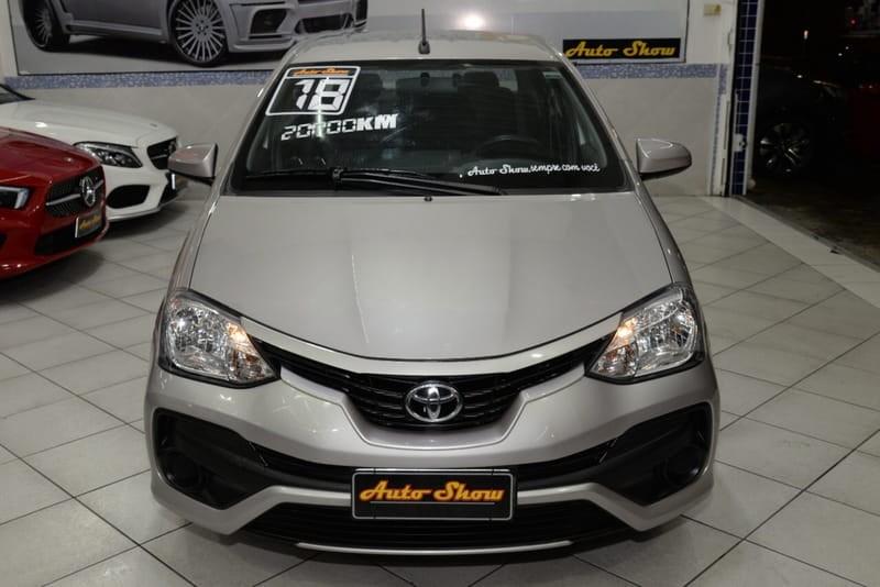 //www.autoline.com.br/carro/toyota/etios-15-sedan-xs-16v-flex-4p-automatico/2018/sao-paulo-sp/14922514