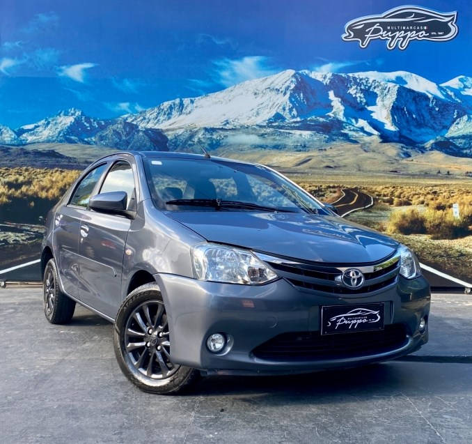 //www.autoline.com.br/carro/toyota/etios-15-sedan-xls-16v-flex-4p-manual/2014/manaus-am/14930503
