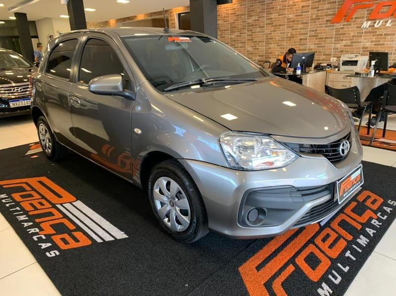 //www.autoline.com.br/carro/toyota/etios-15-hatch-xs-16v-flex-4p-manual/2018/curitiba-pr/14988117