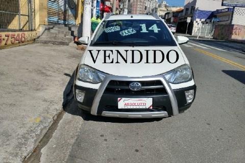 //www.autoline.com.br/carro/toyota/etios-15-cross-16v-flex-4p-manual/2014/santo-andre-sp/15021973