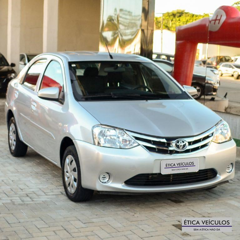 //www.autoline.com.br/carro/toyota/etios-15-sedan-x-16v-flex-4p-manual/2017/fortaleza-ce/15101088