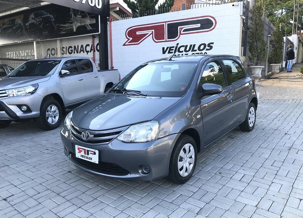 //www.autoline.com.br/carro/toyota/etios-15-sedan-xs-16v-flex-4p-manual/2014/vinhedo-sp/15154530