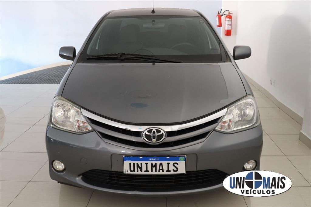 //www.autoline.com.br/carro/toyota/etios-15-sedan-xls-16v-flex-4p-manual/2013/campinas-sp/15162784