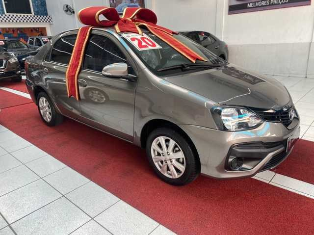 //www.autoline.com.br/carro/toyota/etios-15-sedan-x-plus-16v-flex-4p-automatico/2020/sao-paulo-sp/15226682