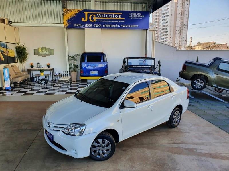 //www.autoline.com.br/carro/toyota/etios-15-sedan-xs-16v-flex-4p-manual/2017/rio-verde-go/15235420