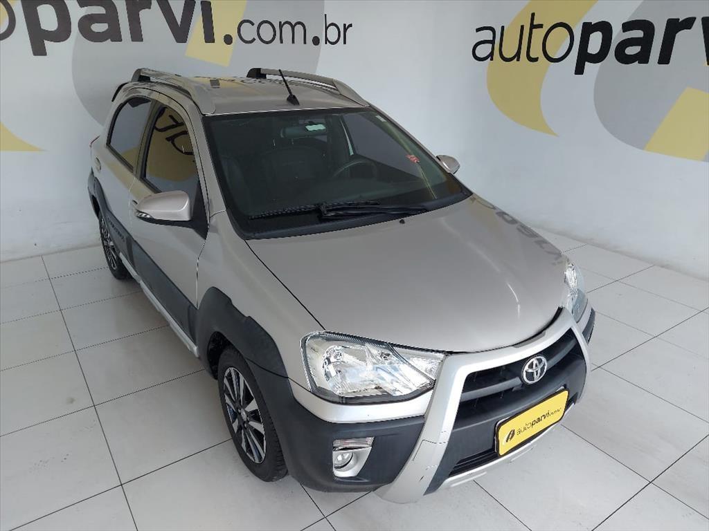//www.autoline.com.br/carro/toyota/etios-15-cross-16v-flex-4p-automatico/2018/recife-pe/15260219