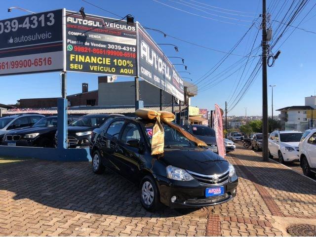 //www.autoline.com.br/carro/toyota/etios-15-sedan-xls-16v-flex-4p-automatico/2017/cascavel-pr/15264758