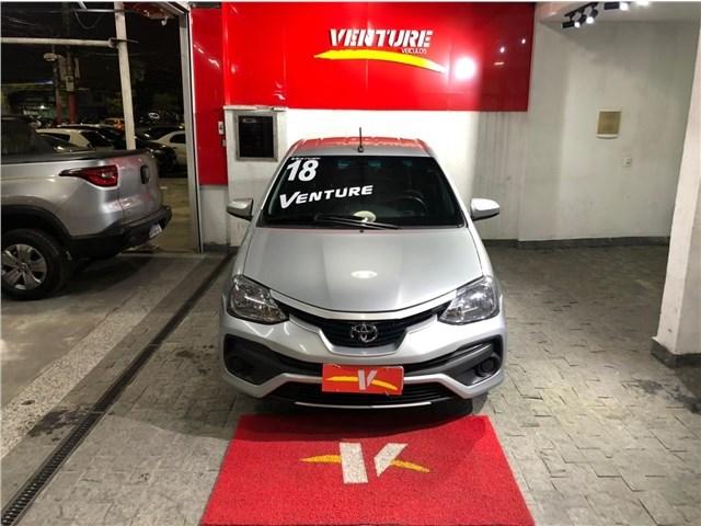 //www.autoline.com.br/carro/toyota/etios-15-sedan-xs-16v-flex-4p-manual/2018/rio-de-janeiro-rj/15302490