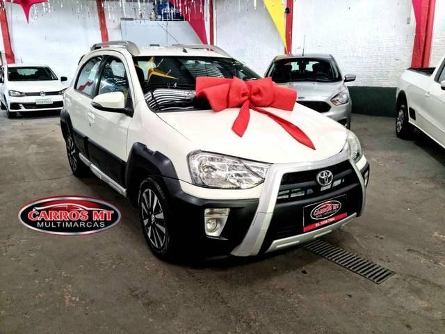 //www.autoline.com.br/carro/toyota/etios-15-hatch-xs-16v-flex-4p-manual/2015/cuiaba-mt/15411558