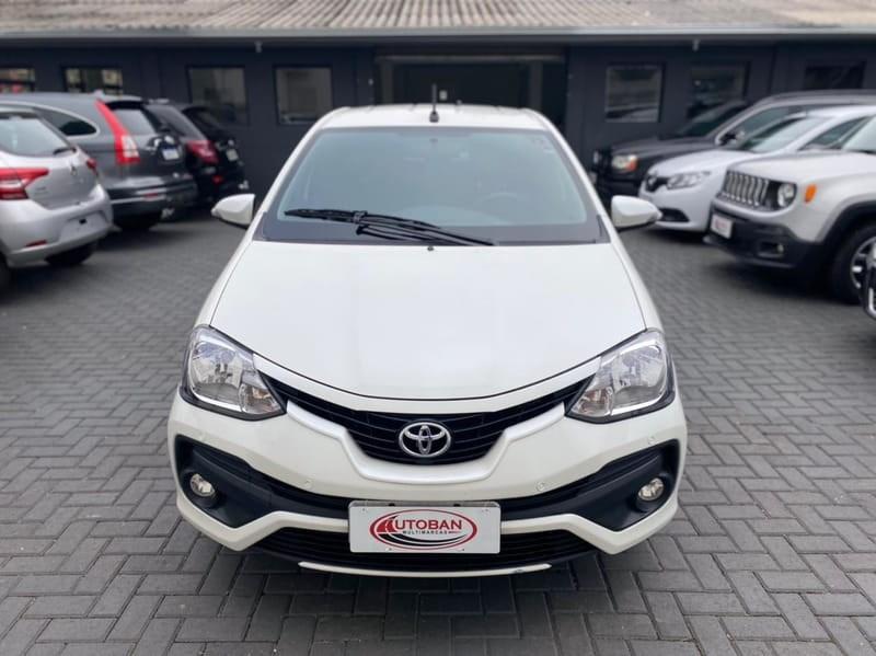 //www.autoline.com.br/carro/toyota/etios-15-sedan-platinum-16v-flex-4p-automatico/2017/curitiba-pr/15463376