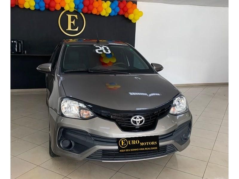 //www.autoline.com.br/carro/toyota/etios-15-sedan-x-plus-16v-flex-4p-automatico/2020/rio-de-janeiro-rj/15532606