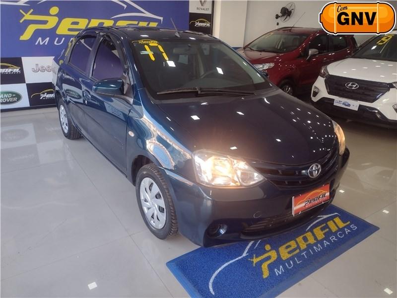 //www.autoline.com.br/carro/toyota/etios-15-sedan-xs-16v-flex-4p-automatico/2017/rio-de-janeiro-rj/15533997