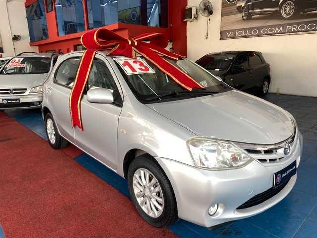 //www.autoline.com.br/carro/toyota/etios-15-hatch-xls-16v-flex-4p-manual/2013/sao-paulo-sp/15589806