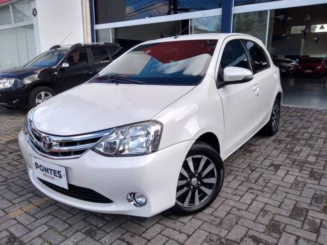 //www.autoline.com.br/carro/toyota/etios-15-hatch-platinum-16v-flex-4p-manual/2015/jacarei-sp/15594194