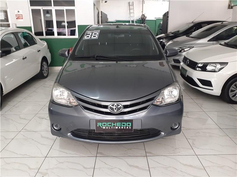 //www.autoline.com.br/carro/toyota/etios-15-sedan-xs-16v-flex-4p-manual/2014/rio-de-janeiro-rj/15595941
