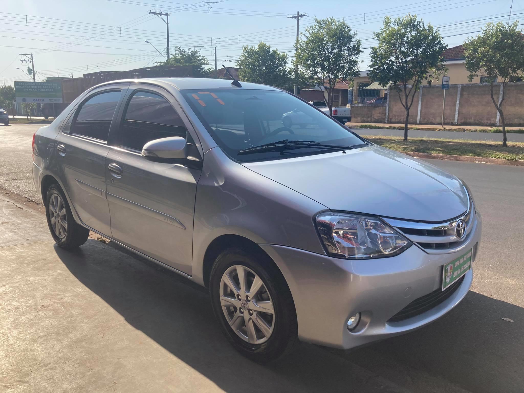 //www.autoline.com.br/carro/toyota/etios-15-sedan-xls-16v-flex-4p-automatico/2017/santa-rosa-de-viterbo-sp/15597691