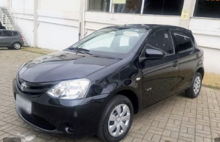 //www.autoline.com.br/carro/toyota/etios-15-hatch-xs-16v-flex-4p-manual/2015/campinas-sp/15693837