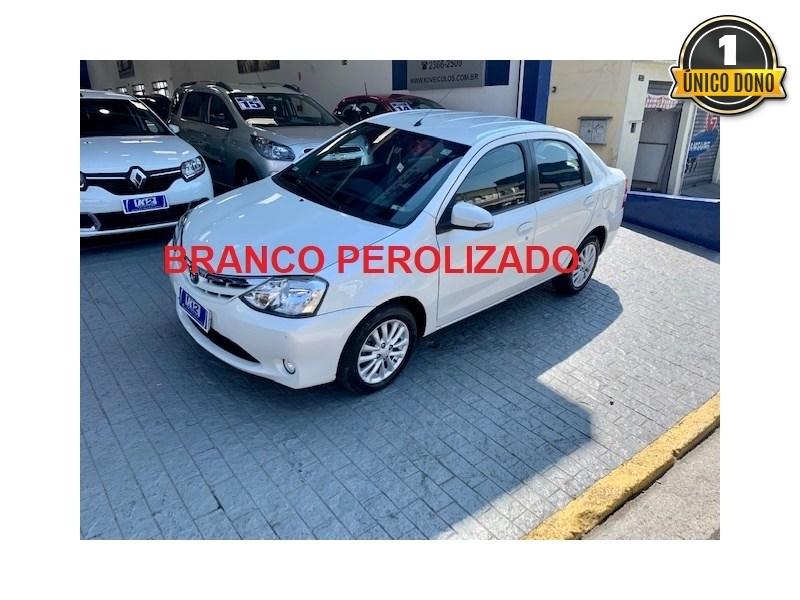 //www.autoline.com.br/carro/toyota/etios-15-sedan-xls-16v-flex-4p-manual/2015/sao-paulo-sp/15699412