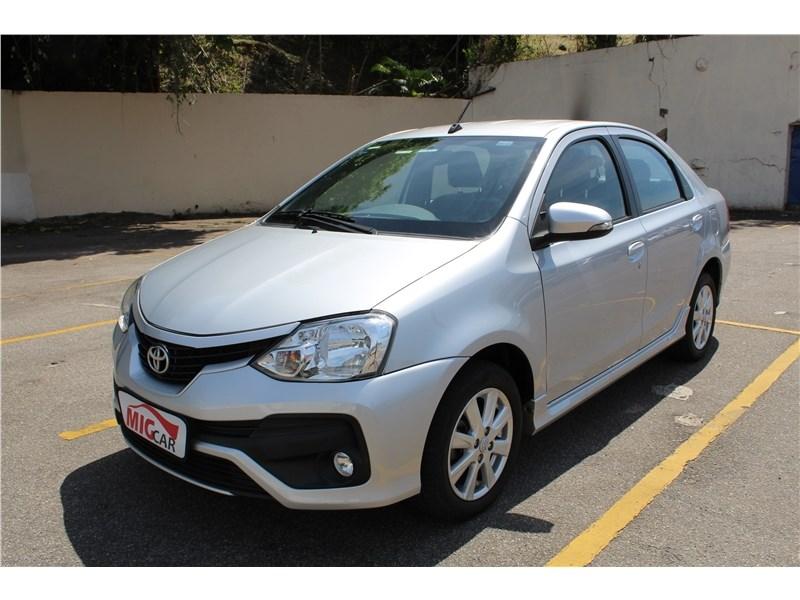//www.autoline.com.br/carro/toyota/etios-15-sedan-xls-16v-flex-4p-automatico/2018/rio-de-janeiro-rj/15710431