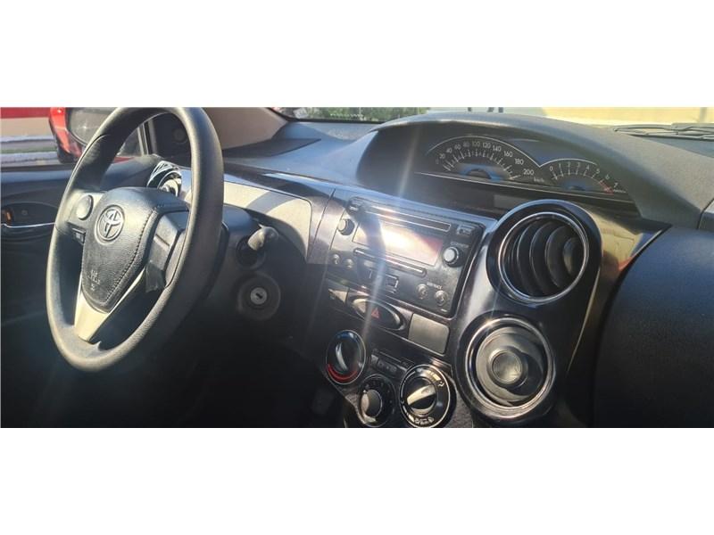 //www.autoline.com.br/carro/toyota/etios-15-sedan-xs-16v-flex-4p-manual/2016/rio-de-janeiro-rj/15712098